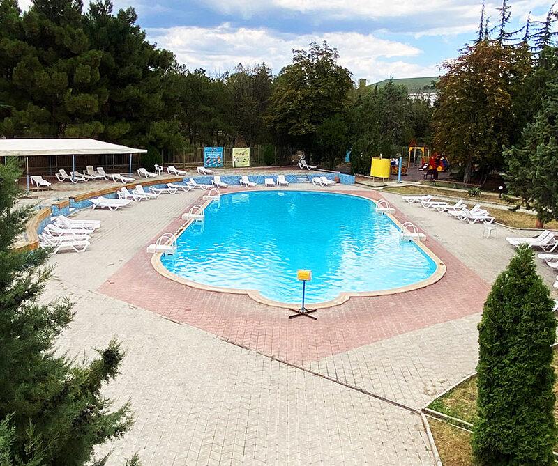 крымское приморье бассейн